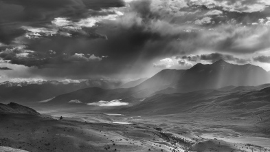 Morning_storm_over_emigrant_pano