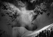 Lower_Falls_Frozen_2018